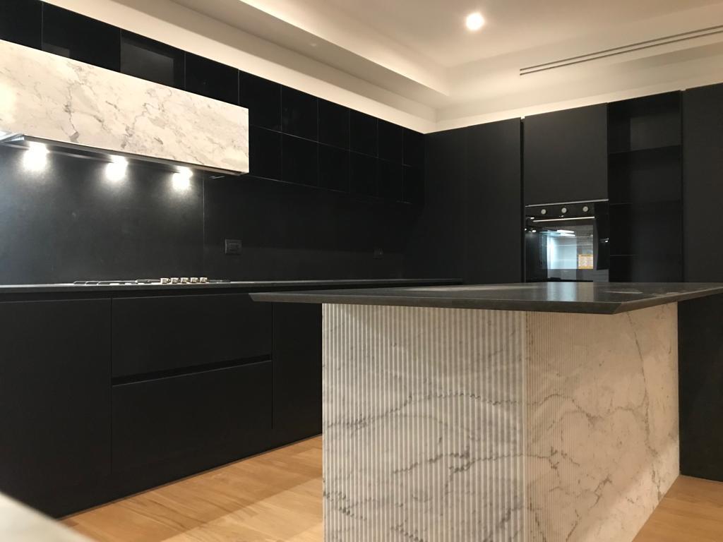 Marmo o granito in cucina: idee e consigli di tendenza